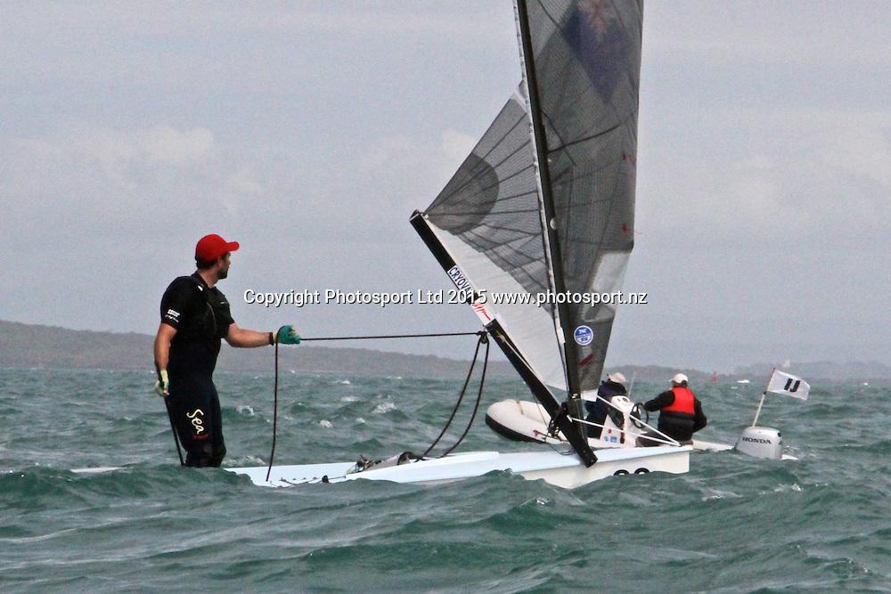 Race 8 Finn Gold Cup Takapuna - Matt Coutts (NZL) retires with a broken gooseneck