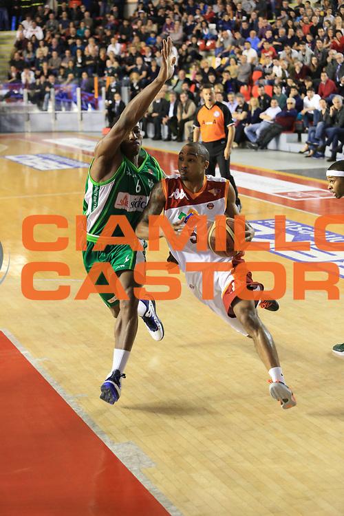 DESCRIZIONE : Roma Lega A 2012-2013 Acea Roma Sidigas Avellino<br /> GIOCATORE : Goss Phil<br /> CATEGORIA : penetrazione sequenza<br /> SQUADRA : Acea Roma<br /> EVENTO : Campionato Lega A 2012-2013 <br /> GARA : Acea Roma Sidigas Avellino<br /> DATA : 07/04/2013<br /> SPORT : Pallacanestro <br /> AUTORE : Agenzia Ciamillo-Castoria/M.Simoni<br /> Galleria : Lega Basket A 2012-2013  <br /> Fotonotizia : Roma Lega A 2012-2013 Acea Roma Sidigas Avellino<br /> Predefinita :