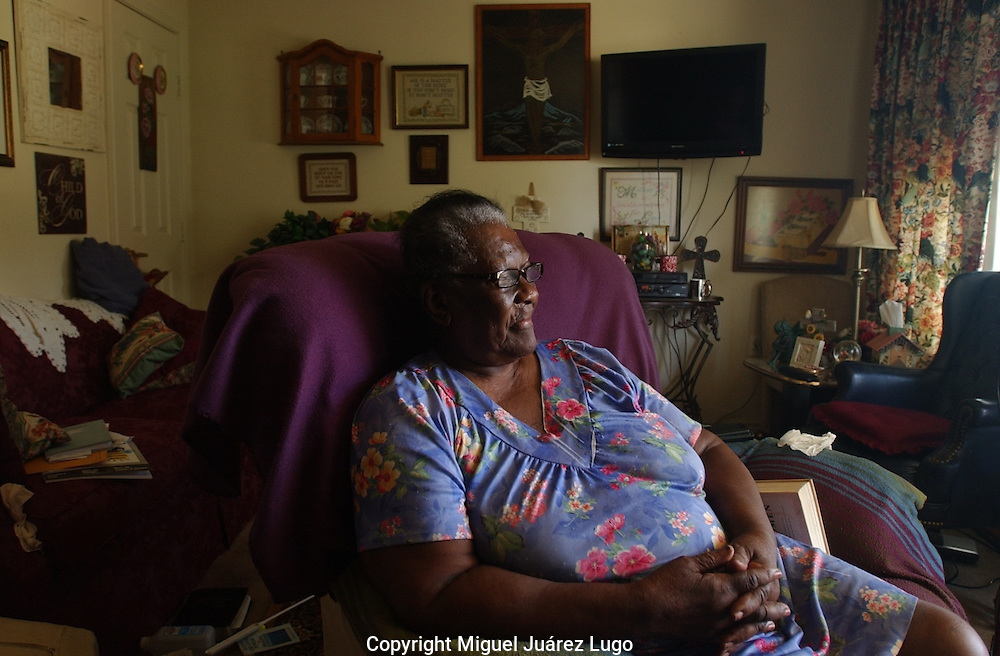 """Mae Lou Yeldell in her house in Haskell, Texas. Gov. Rick Perry, who grew up in the county, once leased a hunting property known as """"Niggerhead."""" (PHOTO: MIGUEL JUAREZ LUGO)."""
