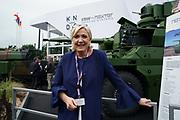 """France, Paris, 12 Juin 2018. Eurosatory 2018, Salon international de Défense et Sécurité. La présidente du parti """"Rassemblement National"""" Marine Le Pen visite le salon."""