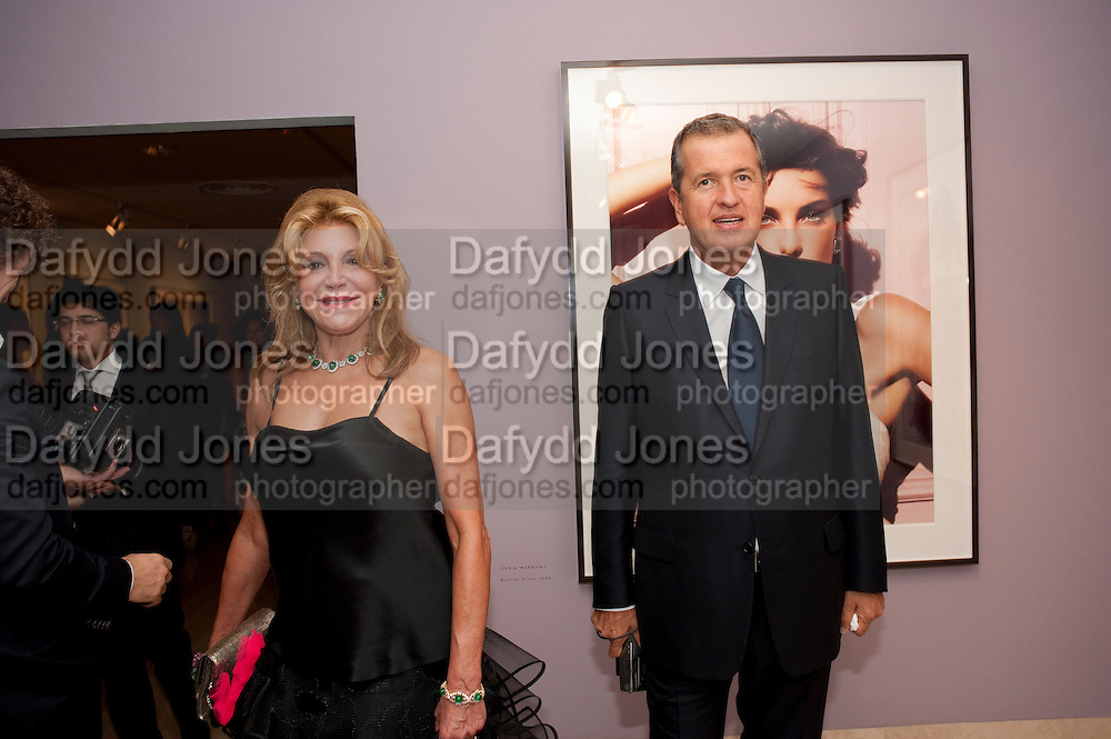 BARONESSA THYSSEN; MARIO TESTINO, Mario Testino exhibition.  Hosted by Vanity Fair Spain and Lancome. Thyssen-Bornemisza Museum (Paseo del Prado 8, Madrid.20 September 2010.  -DO NOT ARCHIVE-© Copyright Photograph by Dafydd Jones. 248 Clapham Rd. London SW9 0PZ. Tel 0207 820 0771. www.dafjones.com.