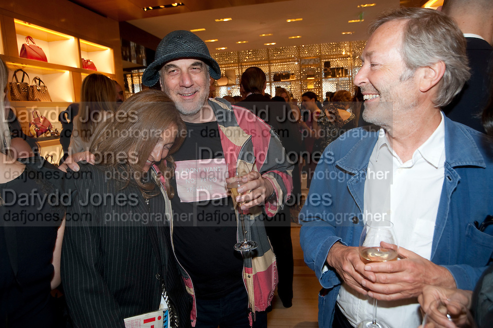 TRISHA JONES; RON ARAD; TERRY JONES, Louis Vuitton openingof New Bond Street Maison. London. 25 May 2010. -DO NOT ARCHIVE-© Copyright Photograph by Dafydd Jones. 248 Clapham Rd. London SW9 0PZ. Tel 0207 820 0771. www.dafjones.com.