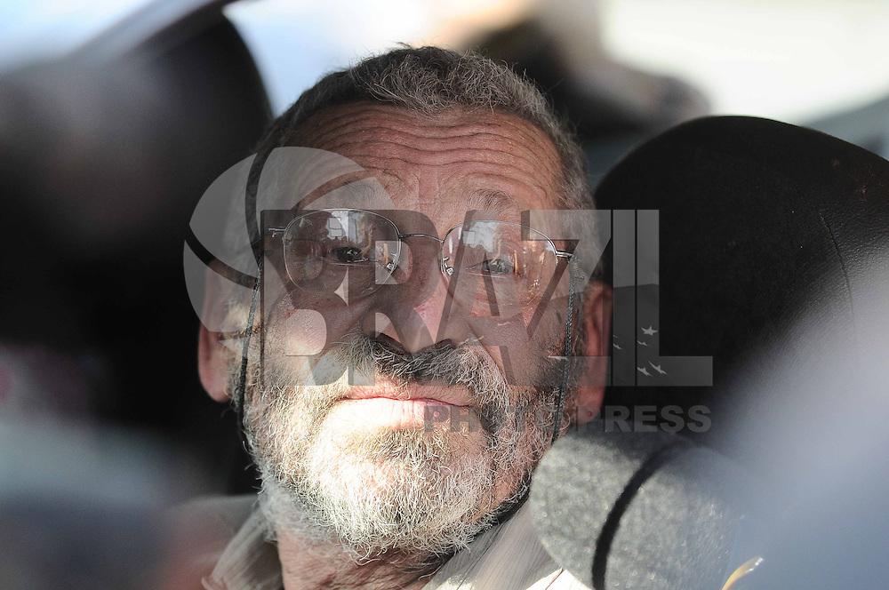 SAO BERNARDO DO CAMPO, SP, 25 de Abril 2013 - Pai da dentista Dra Cinthya Magaly Moutinho de Souza 47 anos foi queimada durante um assalto em seu consultorio na Rua Copacabana em Sao Bernardo do Campo,  (FOTO: ADRIANO LIMA / BRAZIL PHOTO PRESS).