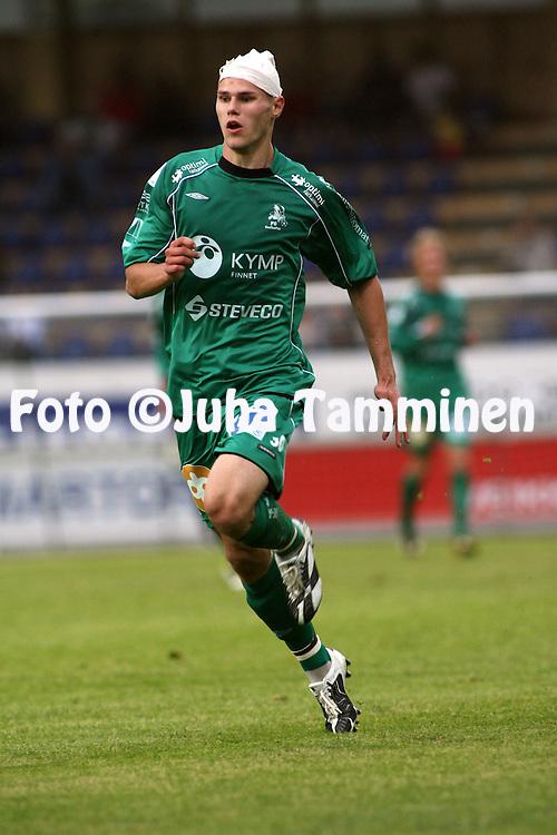 20.07.2008, Tehtaankentt?, Valkeakoski, Finland..Veikkausliiga 2008 - Finnish League 2008.FC Haka - FC KooTeePee.Sasha Anttilainen (KooTeePee) side p??ss?.©Juha Tamminen.....ARK:k