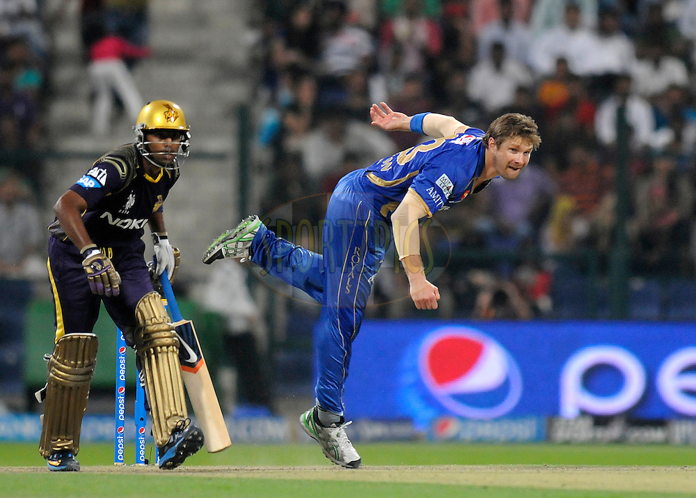 Shane Watson captain of the Rajatshan Royals bowls during match 19 of the Pepsi Indian Premier League 2014 Season between The Kolkata Knight Riders and the Rajasthan Royals held at the Sheikh Zayed Stadium, Abu Dhabi, United Arab Emirates on the 29th April 2014<br /> <br /> Photo by Pal Pillai / IPL / SPORTZPICS