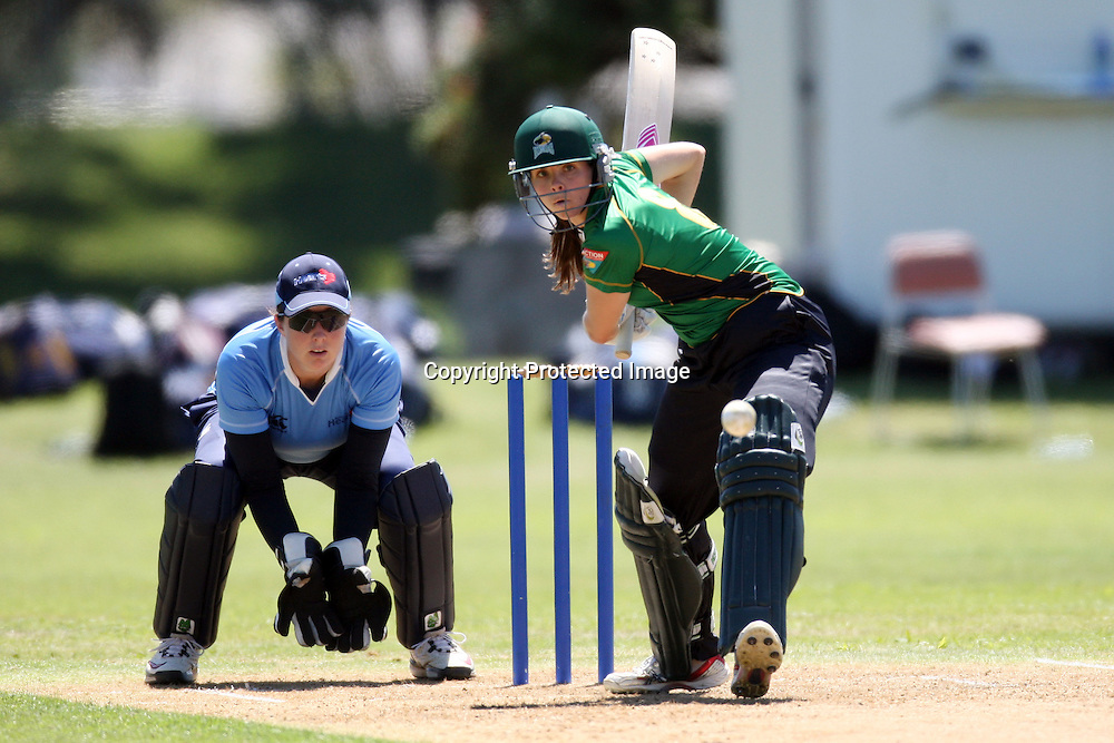 Eimear Richardson. Women's One Day Cricket, Action Cricket Cup, Auckland Hearts v Central Hinds, Melville Park, Auckland, Saturday 8 January 2011, . Photo: Ella Brockelsby/photosport.co.nz