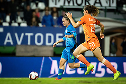 Špela Kolbl of Slovenia and Dominique Bloodworth of Nederland  during football match between Slovenia and Nederland in qualifying Round of Woman's qualifying for EURO 2021, on October 5, 2019 in Mestni stadion Fazanerija, Murska Sobota, Slovenia. Photo by Blaž Weindorfer / Sportida