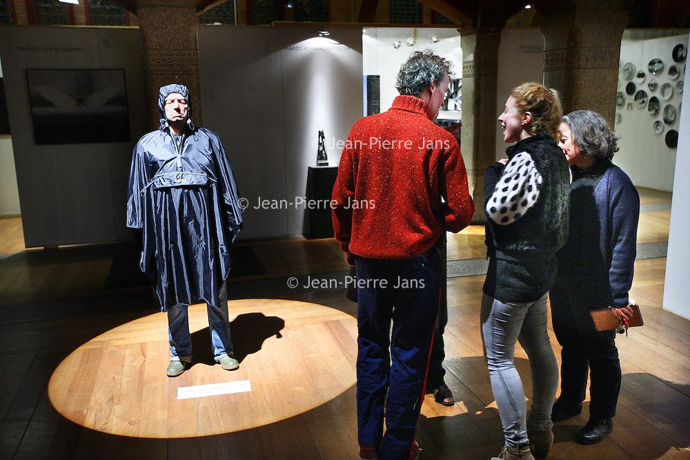 Nederland, Amsterdam , 23 december 2013.<br /> e negende editie van Art in Redlight (AiR9) vindt eind dit jaar plaats in de Beurs van Berlage. Het multidisciplinair kunstfestival biedt een podium aan design, beeldende kunst, muziek, fotografie, dans, video, lichtinstallaties en debat. AiR9 viert en verbindt de kunsten met in totaal ruim 200 eigenzinnige en talentvolle kunstenaars, artiesten en denkers.<br /> Op de foto: werk van de kunstenaar Margriet van Breevoort.<br /> <br /> Foto:Jean-Pierre Jans