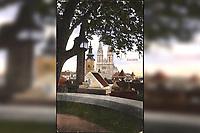 Zagreb. : Pogled sa Strosmajerovog šetališta = Vue de la promenade du Strosmajer. <br /> <br /> ImpresumZagreb : Jos. Čaklović Bromid Chromid, [193-].<br /> Materijalni opis1 razglednica : tisak ; 14 x 8,9 cm.<br /> NakladnikJos. Čaklović<br /> Mjesto izdavanjaZagreb<br /> Vrstavizualna građa • razglednice<br /> ZbirkaZbirka razglednica • Grafička zbirka NSK<br /> Formatimage/jpeg<br /> PredmetZagreb –– Šetalište Josipa Jurja Strossmayera<br /> SignaturaRZG-STR-8<br /> Obuhvat(vremenski)20. stoljeće<br /> PravaJavno dobro<br /> Identifikatori000952567<br /> NBN.HRNBN: urn:nbn:hr:238:002037 <br /> <br /> Izvor: Digitalne zbirke Nacionalne i sveučilišne knjižnice u Zagrebu