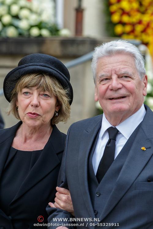 LUX/Luxemburg/20190504 -  Funeral<br /> of HRH Grand Duke Jean, Uitvaart Groothertog Jean, Bondspresident Joachim Gauck en partner Gerhild of Daniela Schadt