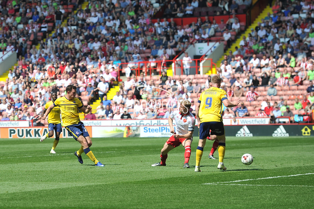 Tom Hopper of Scunthorpe United  scores goal to go 1-0 up during the Sky Bet League 1 match between Sheffield Utd and Scunthorpe United at Bramall Lane, Sheffield, England on 8 May 2016. Photo by Ian Lyall.