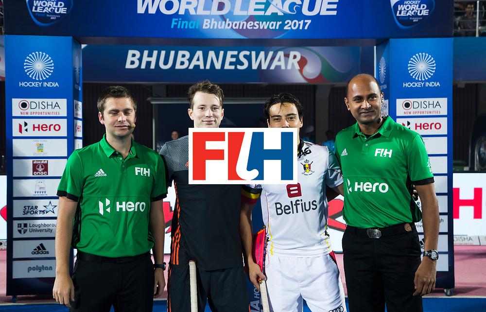 BHUBANESWAR - Seve van Ass (Ned) , Thomas Briels (Bel) , Dan Barstow, Javed Shaikh.  voor de Hockey World League Final wedstrijd Belgie-Nederland (3-0).   COPYRIGHT KOEN SUYK