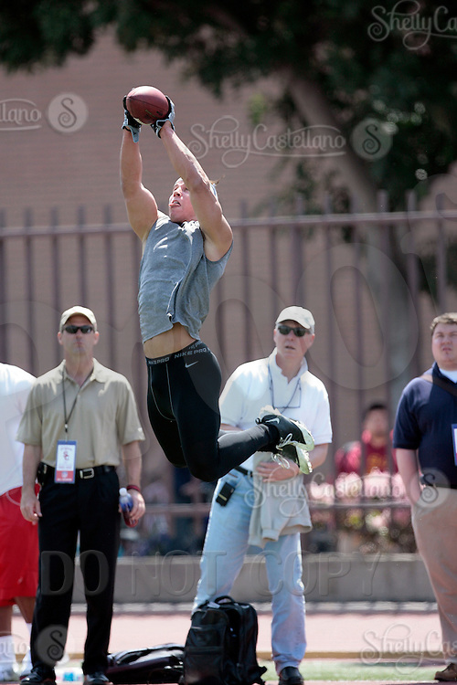 1 April 2009: Linebacker Brian Cushing during the 2009 USC Trojans NFL Pro Timing Day at Cromwell Field on The University of Southern California campus.  Pro football scouts, personnel directors, coaches, agents and front office executives spent three hours with former college players who have chosen to enter the 2009 NFL draft.....
