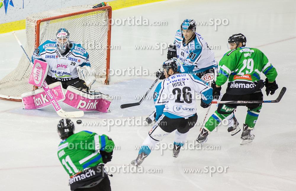 v.l. Ziga Pesut (HDD Olimpija), Michael Ouzas (Black Wings Linz)