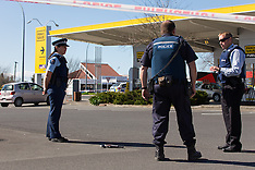 Hamilton-Policeman shot outside Pak n Save