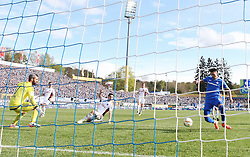 16.04.2016, Merck Stadion am Boellenfalltor, Darmstadt, GER, 1. FBL, SV Darmstadt 98 vs FC Ingolstadt 04, 30. Runde, im Bild vl. Tor zum 2:0, Ramazan Özcan (FC Ingolstadt), Sandro Wagner (SV Darmstadt 98) // during the German Bundesliga 30th round match between SV Darmstadt 98 and FC Ingolstadt 04 at the Merck Stadion am Boellenfalltor in Darmstadt, Germany on 2016/04/16. EXPA Pictures © 2016, PhotoCredit: EXPA/ Eibner-Pressefoto/ Voelker<br /> <br /> *****ATTENTION - OUT of GER*****