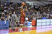 DESCRIZIONE : Venezia Lega A 2015-16 Umana Reyer Venezia - Pasta Reggia Caserta<br /> GIOCATORE : Phil Goss<br /> CATEGORIA : Tiro Tre Punti Three Point<br /> SQUADRA : Umana Reyer Venezia<br /> EVENTO : Campionato Lega A 2015-2016 <br /> GARA : Umana Reyer Venezia - Pasta Reggia Caserta<br /> DATA : 29/11/2015<br /> SPORT : Pallacanestro <br /> AUTORE : Agenzia Ciamillo-Castoria/M.Gregolin<br /> Galleria : Lega Basket A 2015-2016  <br /> Fotonotizia :  Venezia Lega A 2015-16 Umana Reyer Venezia - Pasta Reggia Caserta