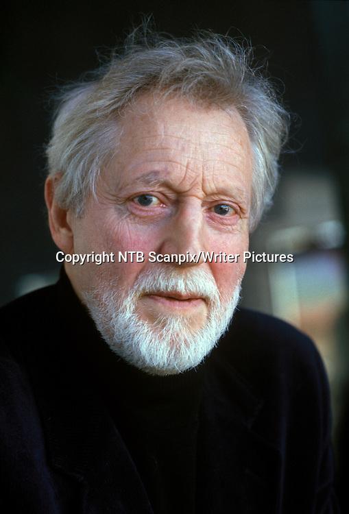 OSLO 19880308. Forfatter Thor Vilhjalmson fikk Nordes R&Acirc;d Litteraturpris i 1988.<br /> Foto: Bj&macr;rn Sigurds&macr;n / NTB scanpix<br /> <br /> NTB Scanpix/Writer Pictures<br /> <br /> WORLD RIGHTS, DIRECT SALES ONLY, NO AGENCY