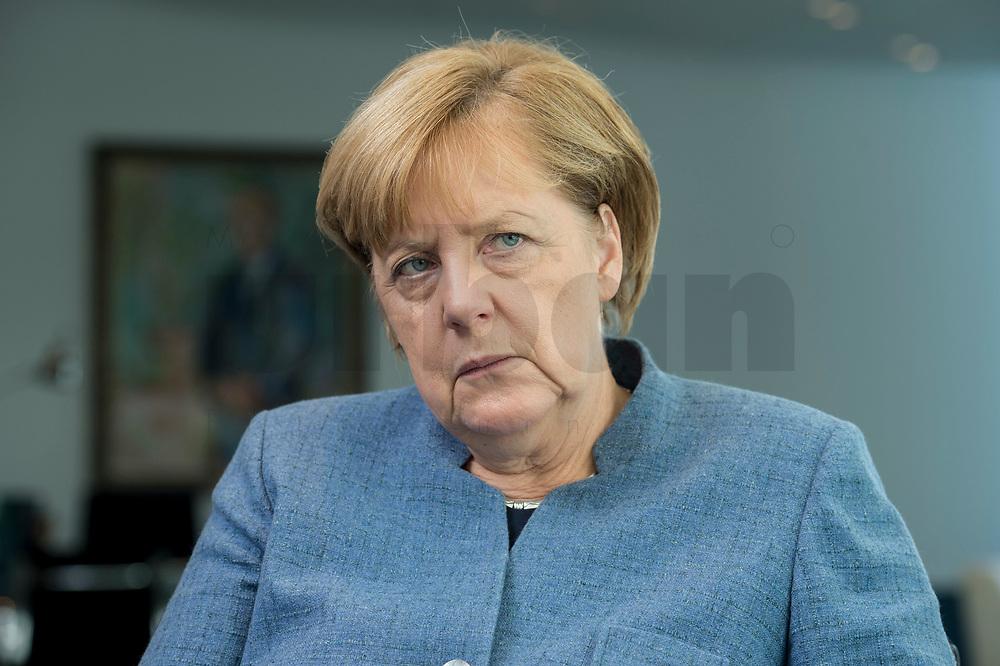 09 OCT 2017, BERLIN/GERMANY:<br /> Angela Merkel, CDU, Bundeskanzlerin, waehrend einem Interview, in ihrem Buero, Bundeskanzleramt<br /> IMAGE: 20171009-01-009<br /> KEYWORDS: B&uuml;ro