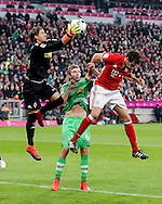 Yann Sommer of Borussia Monchengladbach saves during the Bundesliga match between Bayern Munich and Borussia Monchengladbach at the Allianz Arena, Munich, Germany on 22 October 2016. Photo by Bernd Feil/pixathlon.