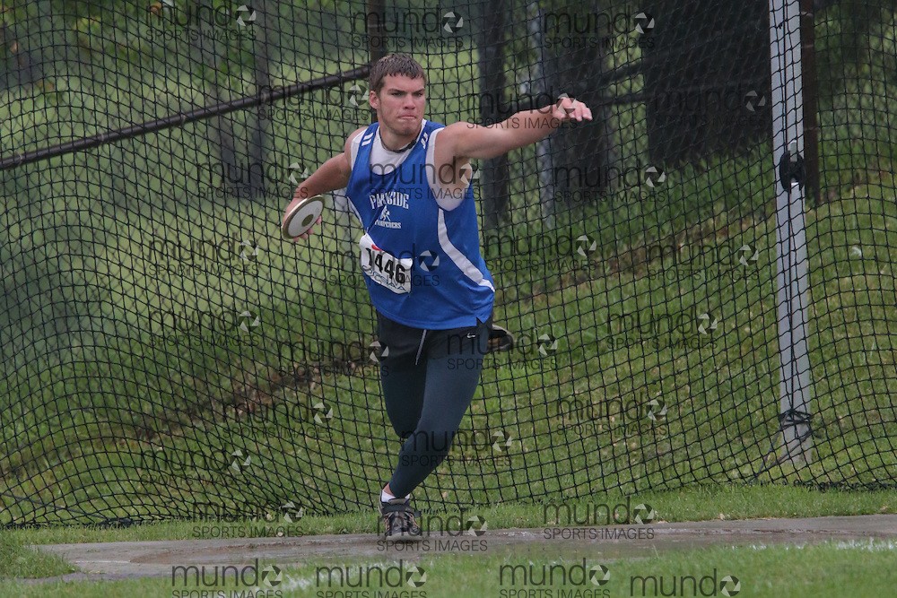 Noah Rolph of Parkside CI - St. Thomas competes in the junior boys discus at the 2013 OFSAA Track and Field Championship in Oshawa Ontario, Thursday,  June 6, 2013.<br /> Mundo Sport Images / Sean Burges
