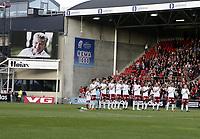 Fotball , 13. april  2012 , Tippeligaen , Eliteserien<br /> Fredrikstad - Rosenborg<br /> illustrasjon , ett minutt applaus for avdøde Knut Torbjørn Eggen som hadde et nært forhold til både RBK og FFK som tidligere spiller , trener og leder