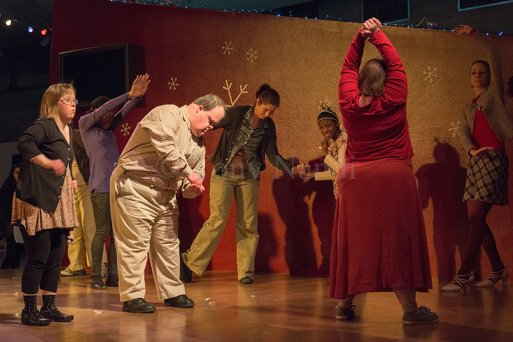 04/11/2012. London, UK.   Corali is a professional performance company that works in collaboration with adult performers that have learning disabilities. Picture shows: Thinking Along the Same Lines, choreographed by the class with Kasia Maslowska and Jacobus Flynn.