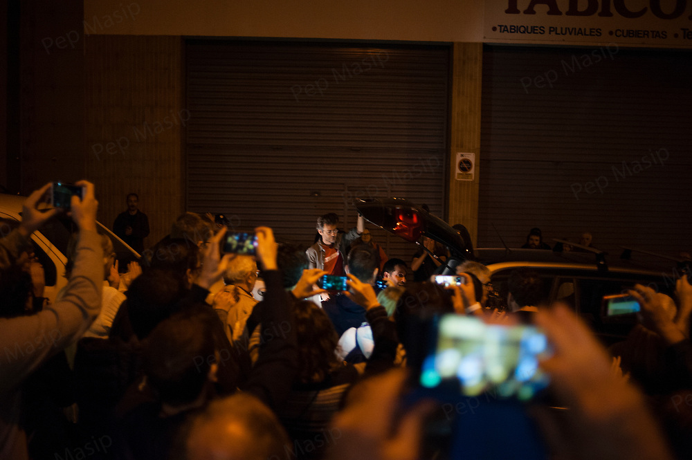 Terrassa, Catalonia, Spain. Saturday, 01 October 2017. Catalan referendum. Arrival of ballot box and ballots. Setting up the polling stations and first voters.  Activists and families had spend the night inside their assigned polling stations as a measure to try to avoid the closure of the schools by the police.  Terrassa, Catalonia.