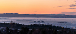 Mist fills the Clyde Valley as temperatures stay below zero all day (Sunday) and the sun sets over the city of Glasgow (c) Ross Eaglesham| Edinburgh Elite media