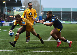 Jimmy Gopperth of Wasps scores a try - Mandatory by-line: Alex James/JMP - 25/01/2020 - RUGBY - Sixways Stadium - Worcester, England - Worcester Warriors v Wasps - Gallagher Premiership Rugby