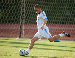 SINGAPORE, SINGAPORE - Sunday, July 17, 2011: Liverpool's Joe Cole during an exhibition training session at the Bishan Stadium in Singapore on day seven of the club's preseason Asia Tour. (Photo by David Rawcliffe/Propaganda)