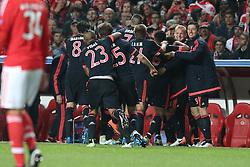 13.04.2016, Estadio da Luz, Lissabon, POR, UEFA CL, Benfica Lissabon vs FC Bayern Muenchen, Viertelfinale, Rueckspiel, im Bild Jubel nach dem 1:2 von Thomas Mueller (FC Bayern Muenchen) // during the UEFA Champions League quarterfinal, 2nd Leg match between Benfica Lissabon and FC Bayern Munich at the Estadio da Luz in Lissabon, Portugal on 2016/04/13. EXPA Pictures © 2016, PhotoCredit: EXPA/ Eibner-Pressefoto/ Langer<br /> <br /> *****ATTENTION - OUT of GER*****