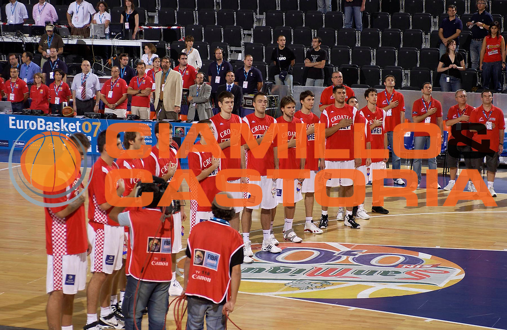 DESCRIZIONE : Madrid Spagna Spain Eurobasket Men 2007 Qualifying Round Croazia Russia Croatia Russia <br /> GIOCATORE : Team Croazia Team Croatia <br /> SQUADRA : Croazia Croatia <br /> EVENTO : Eurobasket Men 2007 Campionati Europei Uomini 2007 <br /> GARA : Croazia Russia Croatia Russia <br /> DATA : 11/09/2007 <br /> CATEGORIA : <br /> SPORT : Pallacanestro <br /> AUTORE : Ciamillo&amp;Castoria/JF.Molliere <br /> Galleria : Eurobasket Men 2007 <br /> Fotonotizia : Madrid Spagna Spain Eurobasket Men 2007 Qualifying Round Croazia Russia Croatia Russia <br /> Predefinita :