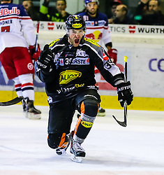 18.09.2015, Messestadion, Dornbirn, AUT, EBEL, Dornbirner Eishockey Club vs EC Red Bull Salzburg, 3. Runde, im Bild Torjubel bei Matt Siddall (Dornbirner Eishockey Club) zum 2:2 ausgleich // during the Erste Bank Icehockey League 3rd round match between Dornbirner Eishockey Club vs EC Red Bull Salzburg at the Messestadion in Dornbirn, Austria on 2015/09/18. EXPA Pictures © 2015, PhotoCredit: EXPA/ Peter Rinderer