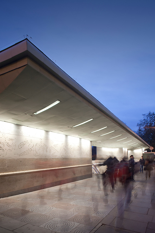 london underground. tube station. green park. architecture. entrance. canopy. transport.