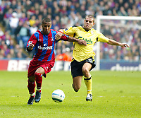 Fotball<br /> Premier League 2004/05<br /> Crystal Palace v Liverpool<br /> 23. april 2005<br /> Foto: Digitalsport<br /> NORWAY ONLY<br /> Wayne Routledge tries to go past John Welsh of Liverpool