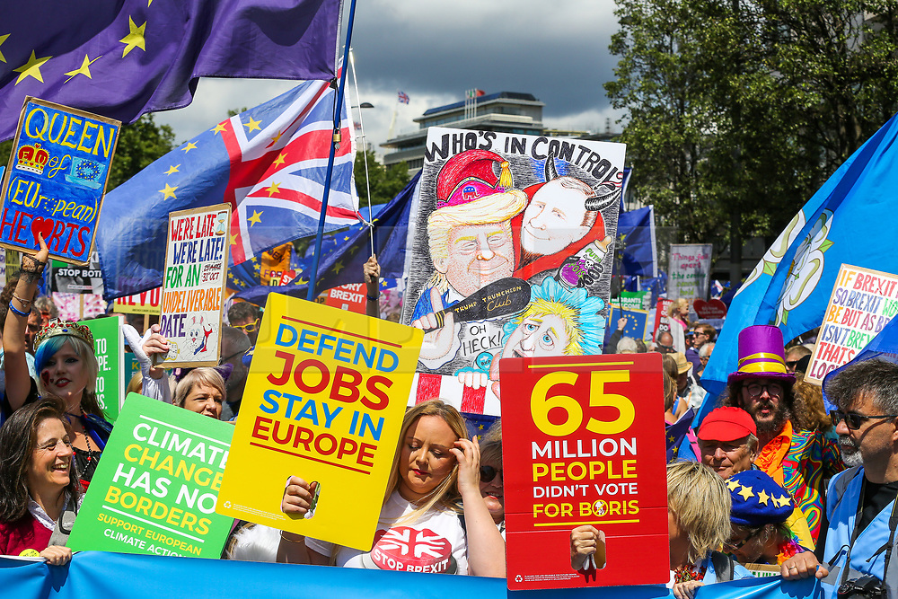 """© Licensed to London News Pictures. 20/07/2019. London, UK. Pro EU demonstrators take part in the """"No to Boris. Yes to Europe"""" march in central London. Photo credit: Dinendra Haria/LNP"""