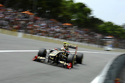 26.11.2011, Autodromo Jose Carlos Pace, Sao Paulo, BRA, F1, Grosser Preis von Brasilien, im Bild Vitaly Petrov (RUS), Lotus Renault GP // during the Formula One Championships 2011 Grand Prix of Brazil held at the Autodromo Jose Carlos Pace, Sao Paulo, Brazil on 2011/11/26. EXPA Pictures © 2011, PhotoCredit: EXPA/ nph/ Dieter Mathis..***** ATTENTION - OUT OF GER, CRO *****