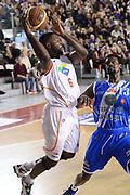 DESCRIZIONE : Roma Lega serie A 2013/14 Acea Virtus Roma Banco Di Sardegna Sassari<br /> GIOCATORE : Bobby Jones<br /> CATEGORIA : passaggio<br /> SQUADRA : Acea Virtus Roma<br /> EVENTO : Campionato Lega Serie A 2013-2014<br /> GARA : Acea Virtus Roma Banco Di Sardegna Sassari<br /> DATA : 22/12/2013<br /> SPORT : Pallacanestro<br /> AUTORE : Agenzia Ciamillo-Castoria/ManoloGreco<br /> Galleria : Lega Seria A 2013-2014<br /> Fotonotizia : Roma Lega serie A 2013/14 Acea Virtus Roma Banco Di Sardegna Sassari<br /> Predefinita :