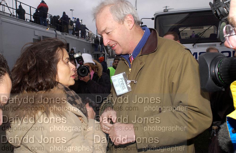 Bianca jagger and Jon Snow, , Anti War Rally, Hyde Park. 15 February 2003. © Copyright Photograph by Dafydd Jones 66 Stockwell Park Rd. London SW9 0DA Tel 020 7733 0108 www.dafjones.com