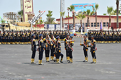 22.07.2015, Kairo, EGY, Leistungsschau und Angelobung mit Al Sisi, im Bild Ägyptens Präsident Abdel Fattah al-Sisi bei einer Leistungsschau und Angelobung seiner Streitkräfte // Soldiers perform during a graduation ceremony of the Navy and Air Force academies, Egypt on 2015/07/22. EXPA Pictures © 2015, PhotoCredit: EXPA/ #OK#Ägyptens Präsident Abdel Fattah al Sisi bei einer Leistungsschau und Angelobung seiner Streitkräfte/ Egyptian Presidency<br /> <br /> *****ATTENTION - for AUT, GER, SUI, ITA, POL, CRO, SRB only*****
