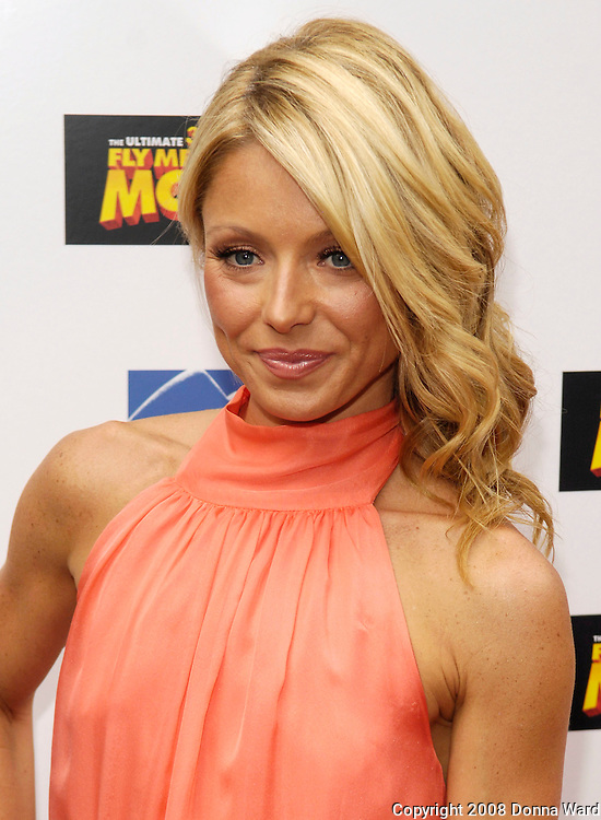 Film star Kelly Ripa arrives for the premiere of 'Fly Me To The Moon' at the Regal Union Square Theater in New York City, USA on July 31, 2008.