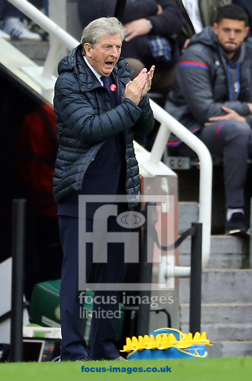 Crystal Palace manager Roy Hodgson during the Premier League match at St. James's Park, Newcastle<br /> Picture by Simon Moore/Focus Images Ltd 07807 671782<br /> 21/10/2017