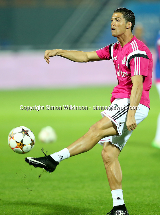 Dubai Football Challenge 2014, Sevens Stadium Dubai, 30/12/14 - Real Madrid's Cristiano Ronaldo has a shot in the warm up<br /> copyright picture - Simon Wilkinson - simon@swpix.com