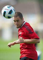 18.08.2010, Melwood Trainingground, Liverpool, ENG, UEFA EL, Liverpool Fc Training, im Bild Liverpool's Joe Cole, beim Kopfball während des Trainings vor dem UEFA Europa League Play-Off Hinspiel gegen Trabzonspor A.S. , EXPA Pictures © 2010, PhotoCredit: EXPA/ Propaganda/ D. Rawcliffe *** ATTENTION *** UK OUT! / SPORTIDA PHOTO AGENCY
