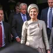 NLD/Amsterdam/20160309 - Koningin Maxima aanwezig bij 10 jarig bestaan Leerorkest Lustrumconcert, vertrek Maxima