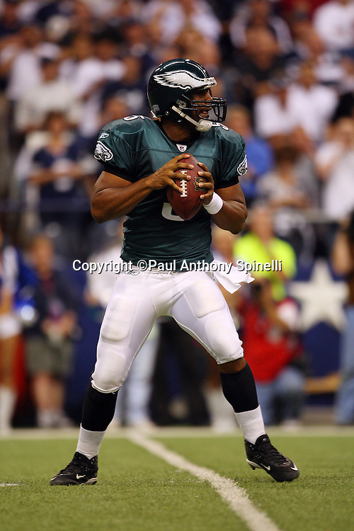 IRVING, TX - SEPTEMBER 15:  Quarterback Donovan McNabb #5 of the Philadelphia Eagles looks for a receiver during the game against the Dallas Cowboys at Texas Stadium on September 15, 2008 in Irving, Texas. The Cowboys defeated the Eagles 41-37. ©Paul Anthony Spinelli *** Local Caption *** Donovan McNabb