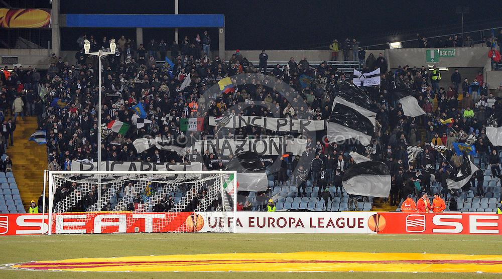 Udine, 16 Febbraio 2012.UEFA Europa League 2011/2012.  16^ di finale..Udinese vs PAOK Salonicco. Stadio Friuli..Nella Foto: i tifosi dell' Udinese. Curva Nord..© foto di Simone Ferraro