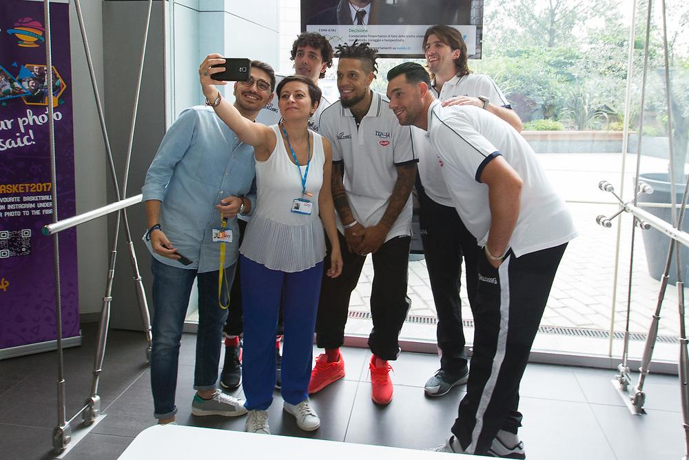 Selfie<br /> Raduno Nazionale Maschile Senior<br /> Media Day - Sky <br /> Milano 21/07/2017<br /> Foto Ciamillo-Castoria/ A.Gilardi