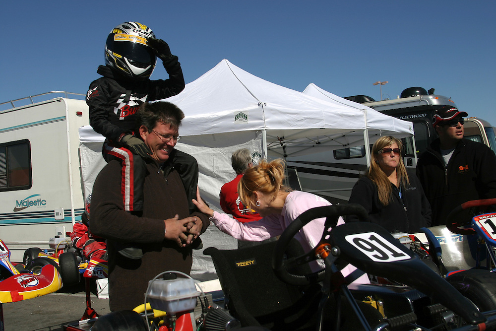Father of Raymond Lantz have take Raymond to the race track of the International Karting Federation in prim Nevada..Saturday march 3 .2007...